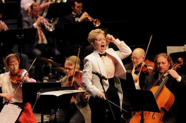 IXITI_TanyaMoutzalias_MI Philharmonic_Nan Wasburn_02